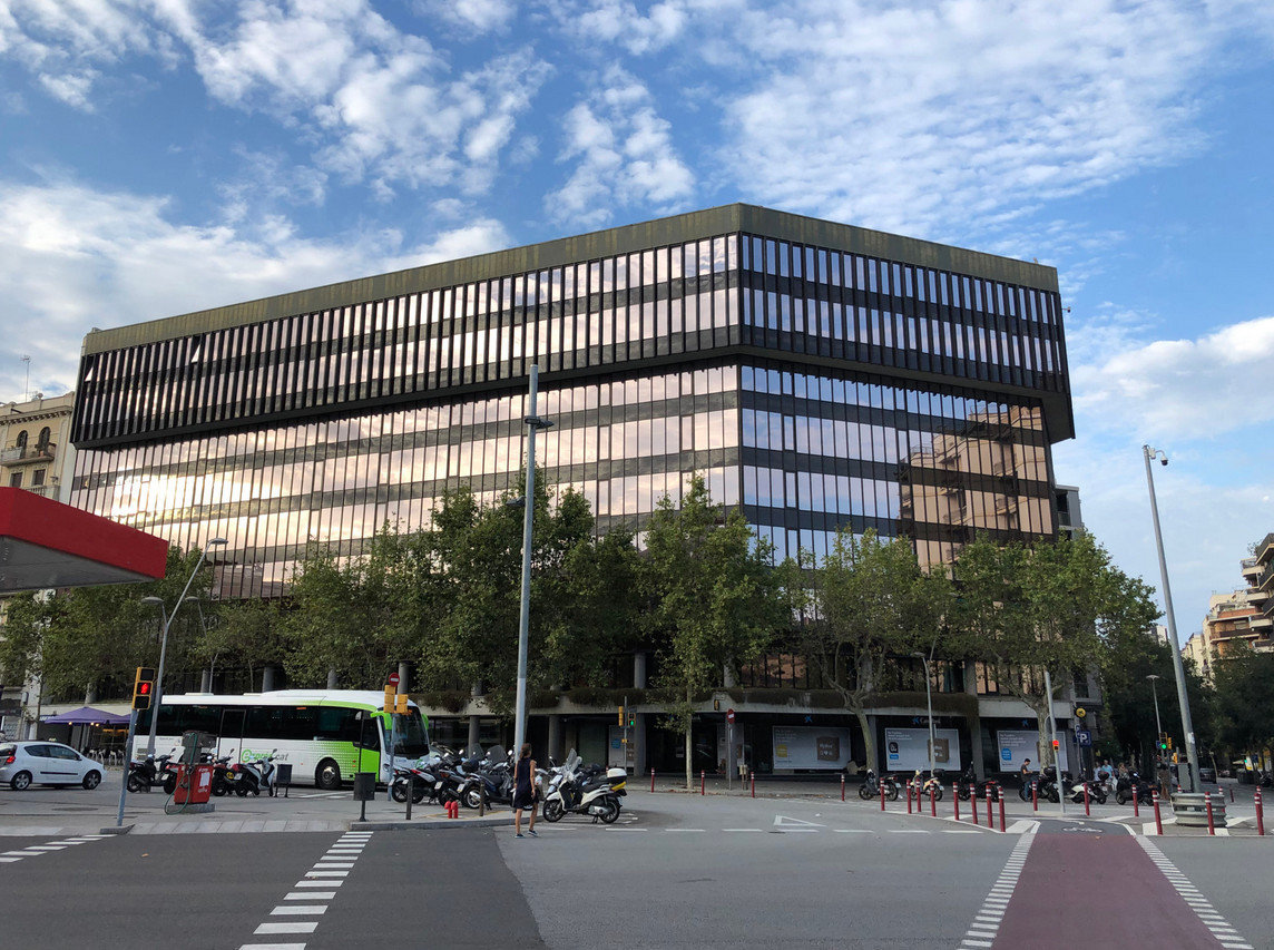 Commercial Building in Spain Improves Energy Efficiency and Updates Look with Madico Exterior Window Film