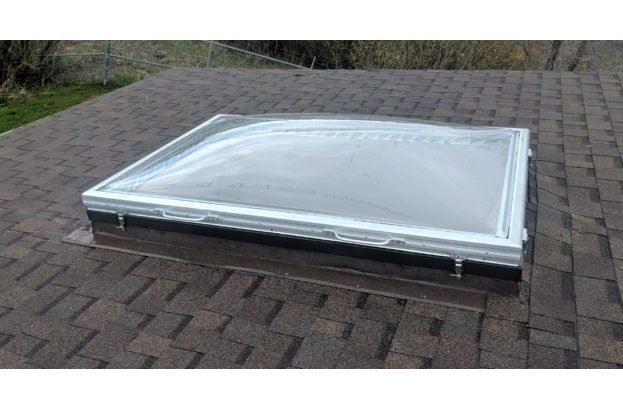Removable Dome Curb Mount Skylight Image