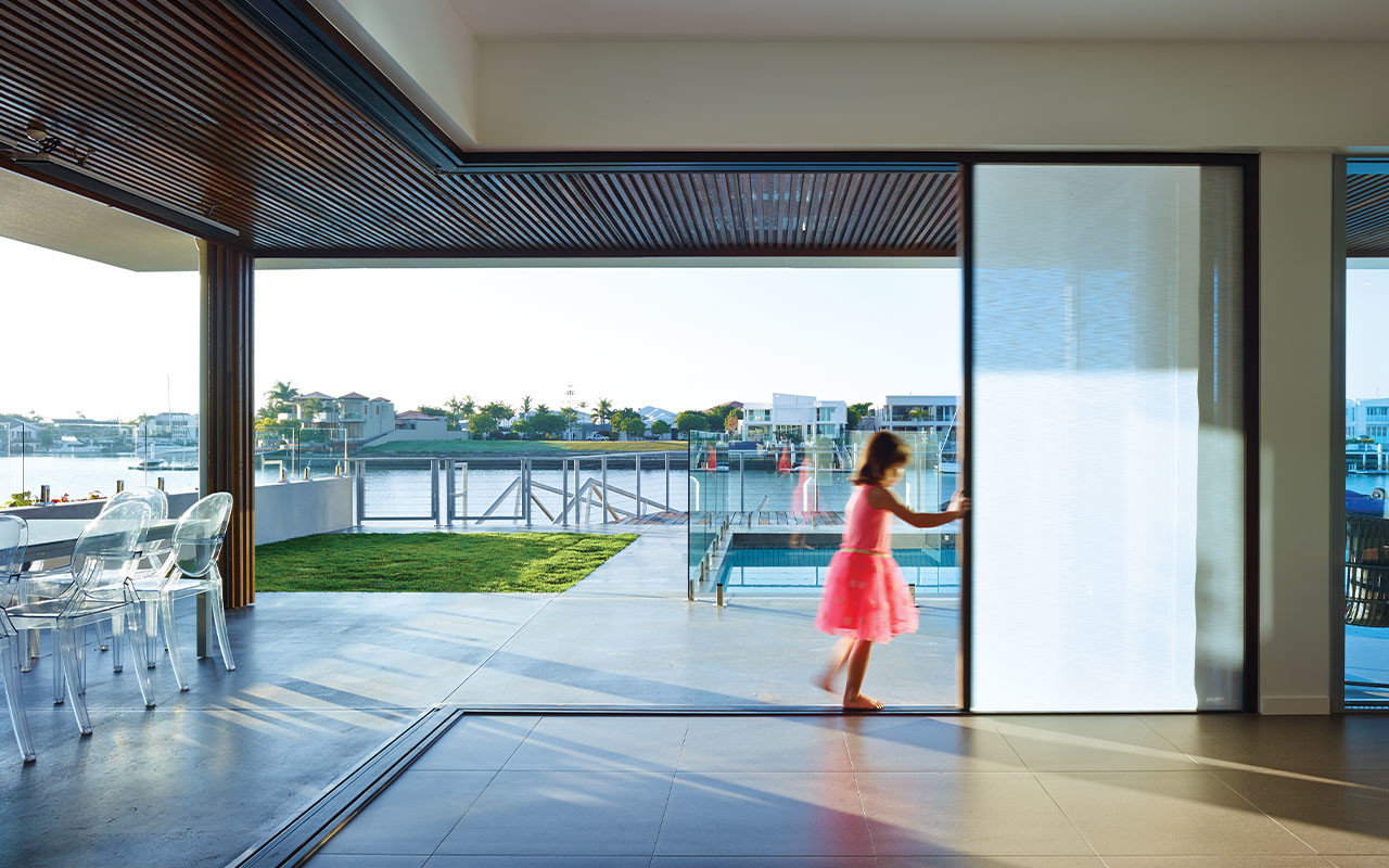 207 Integrated Cornerless Folding Door