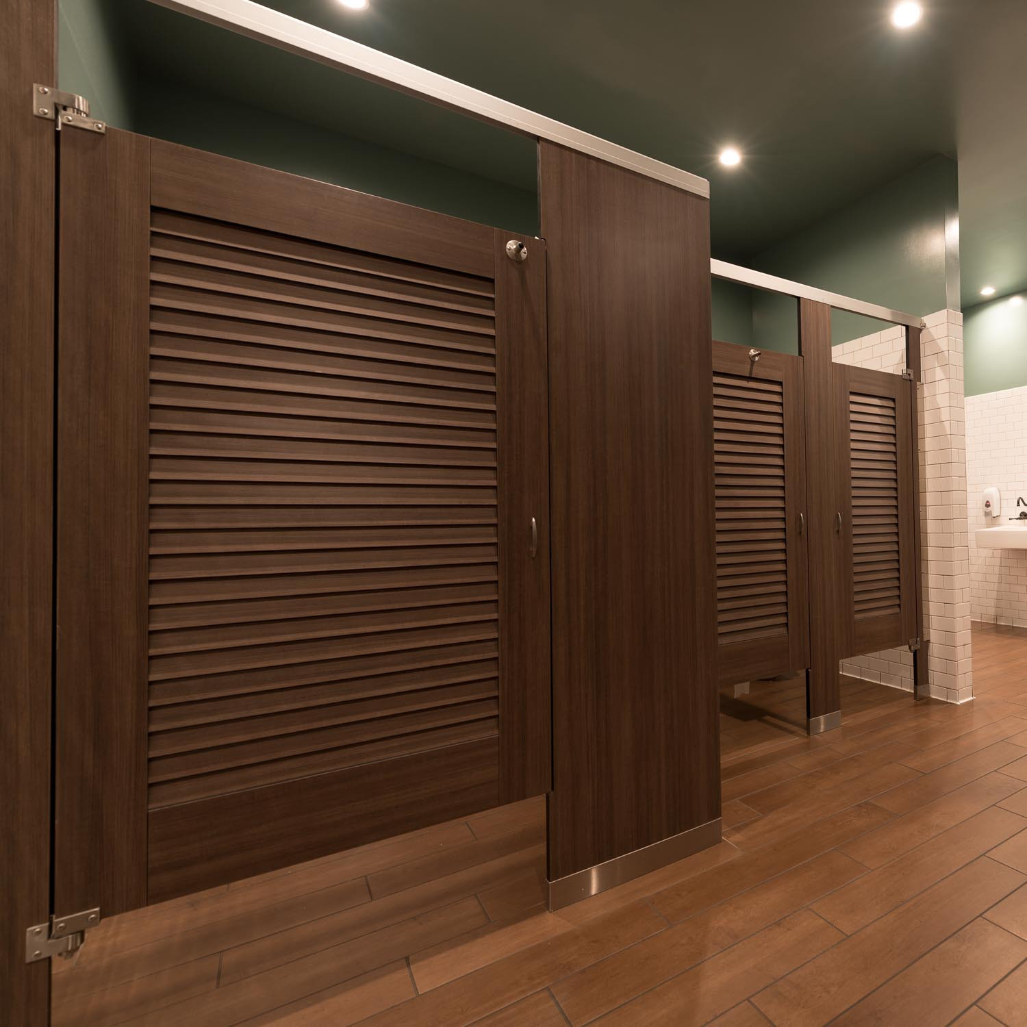 Ironwood Manufacturing Toilet Compartments Restroom Partitions