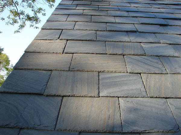 Unfading Black Slate : North country slate roofing