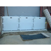 Removable Multi-Panel Lip Seal Flood Barrier image